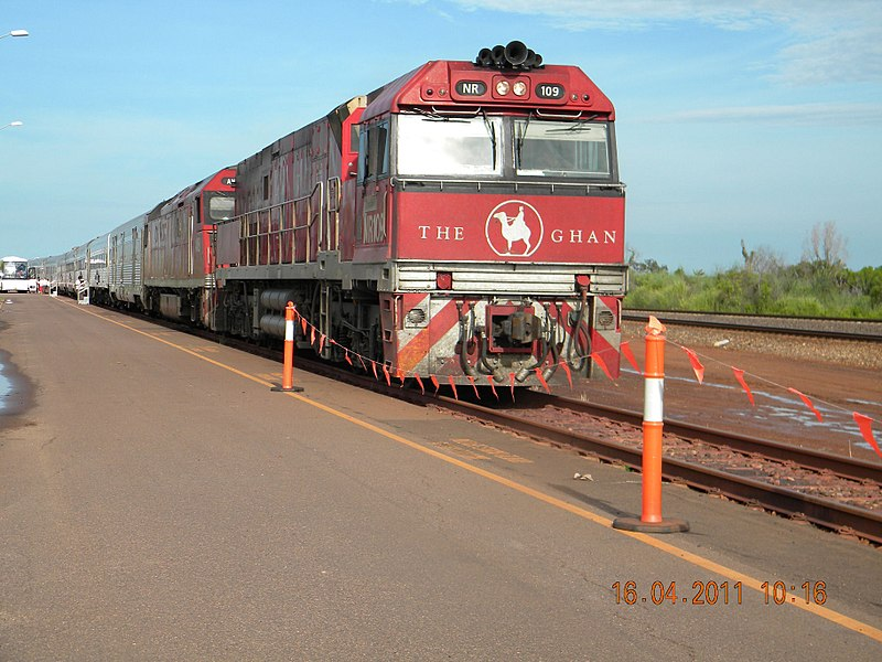 800px-Ghan_awaiting_departure_in_Darwin_-_panoramio.jpg