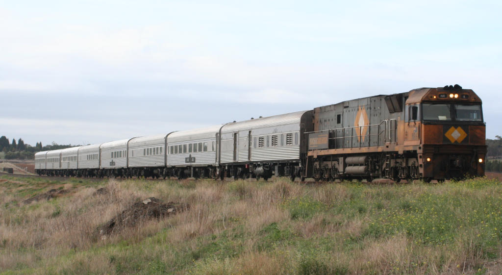 NR6_The_Overland_at_Moorabool.jpg