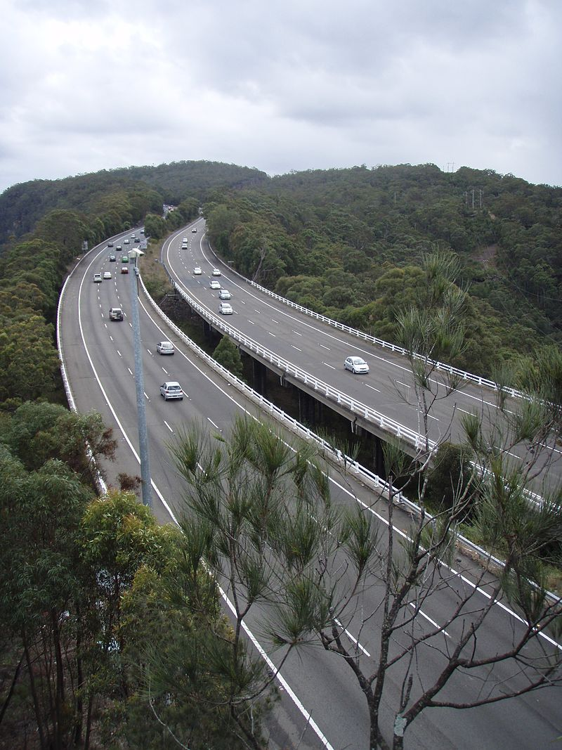 Jolls_Bridge_on_the_F3_Freeway_-_north_of_Hawkesbury_River,_N_S_W_.jpg