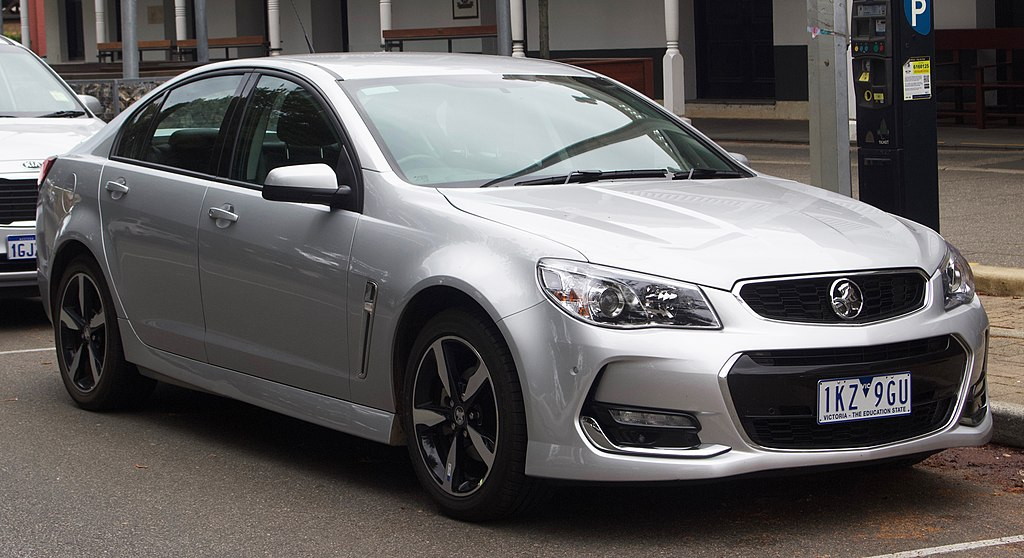 1024px-2017_Holden_Commodore_(VF_II_MY17)_SV6_sedan_(2018-10-01)_01.jpg