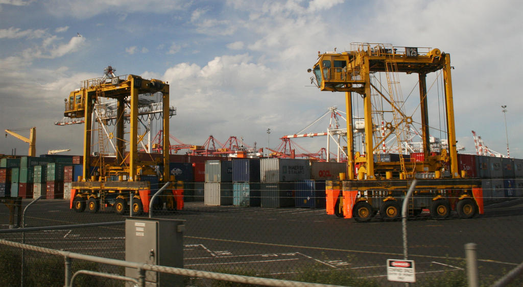 Melbourne--swanston-dock-container-carrier.jpg